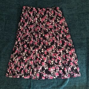 Banana Republic floral pleated midi skirt medium
